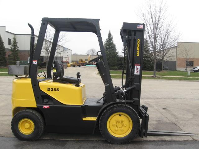 2001 Daewoo D25S-3 sel Forklift For Sale